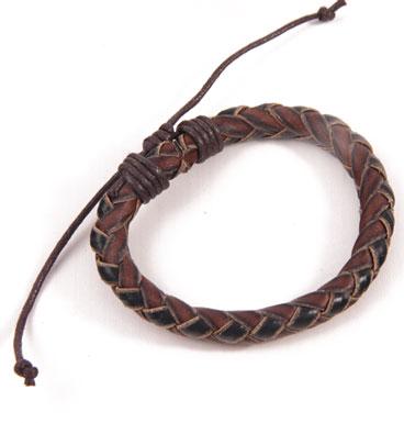 Leather bracelet braid round braid