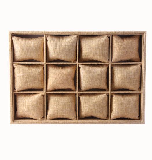 Box 12 pillows