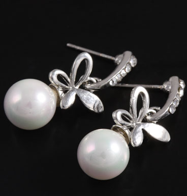 Earrings Bow and Pearly