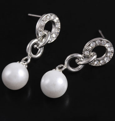 Oorbellen Pearly ball and chain