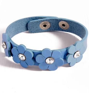 bracelet daisy chain