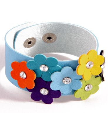 bracelet daisy cuff