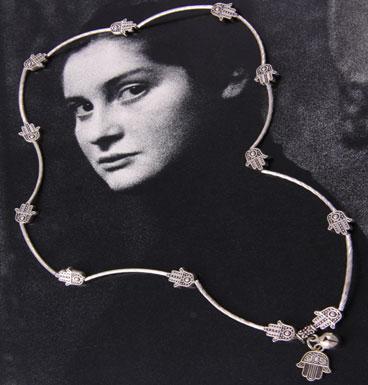 Lucky hand bracelet/necklace