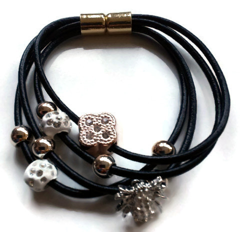 Bracelet Multi Strand and Charms spider