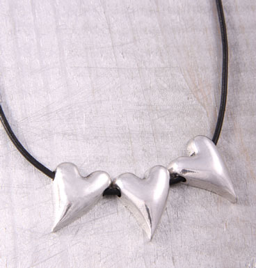 Necklace Triple hearts