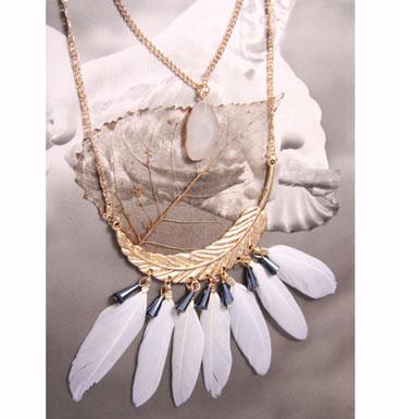 Necklace White Spirit