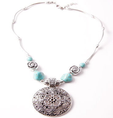 Necklaces Flower Child