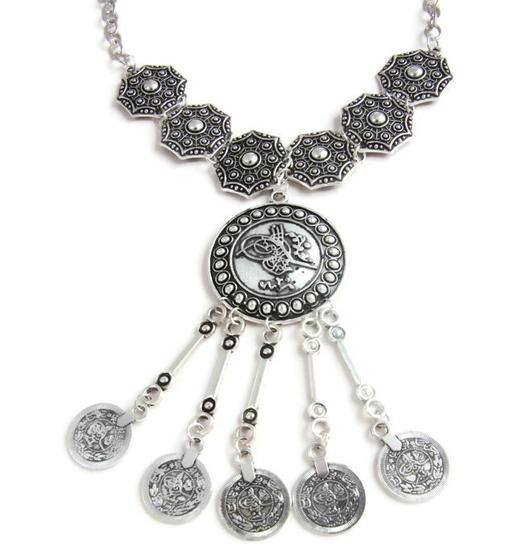 Necklaces Pecunia