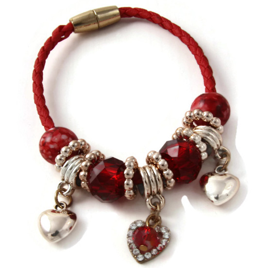 Armband Red Braide, beads and charms