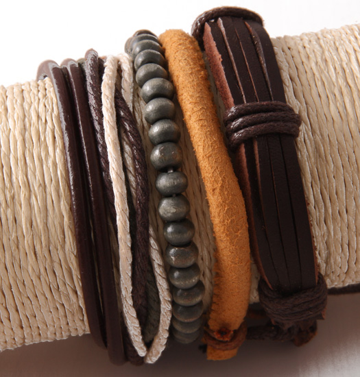 Set of 4 bracelets rope, wood and leather