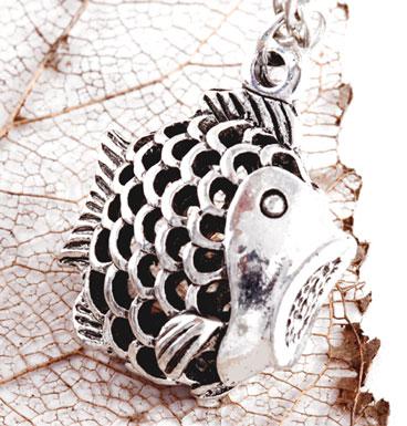 Necklace pescado
